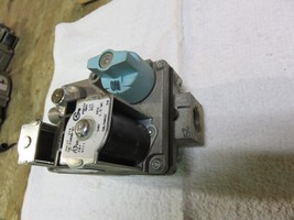 GAS FURNACE GAS VALVE WHITE ROGERS- 36E97-201 PART# 1585-987 - $33.61