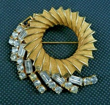 Vintage BSK Beautiful Statement Gold Tone Rhinestone Round Brooch Pin  - $24.99