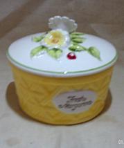 Vintage Retro Round Ceramic Butter Dish/Crock with Lid // Margarine Dish - $14.00