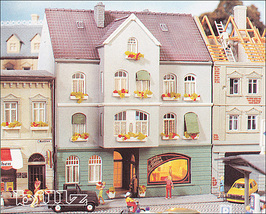 POLA HO 11188 (188) - Townhouse with Hair Salon... - $76.50