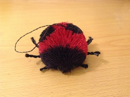 Palm Fiber Ladybug Decoration Brush Ecofiber Sustainable Black-Red