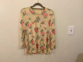 Floral Printed Long Sleeve Crew Neck T-Shirt Blouse no size tag see measurements