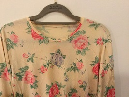 Floral Printed Long Sleeve Crew Neck T-Shirt Blouse no size tag see measurements image 2