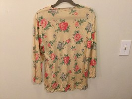 Floral Printed Long Sleeve Crew Neck T-Shirt Blouse no size tag see measurements image 4
