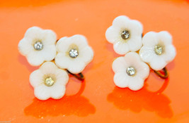 vintage plastic flower rhinestone earrings lucite thermoset off white - $4.94