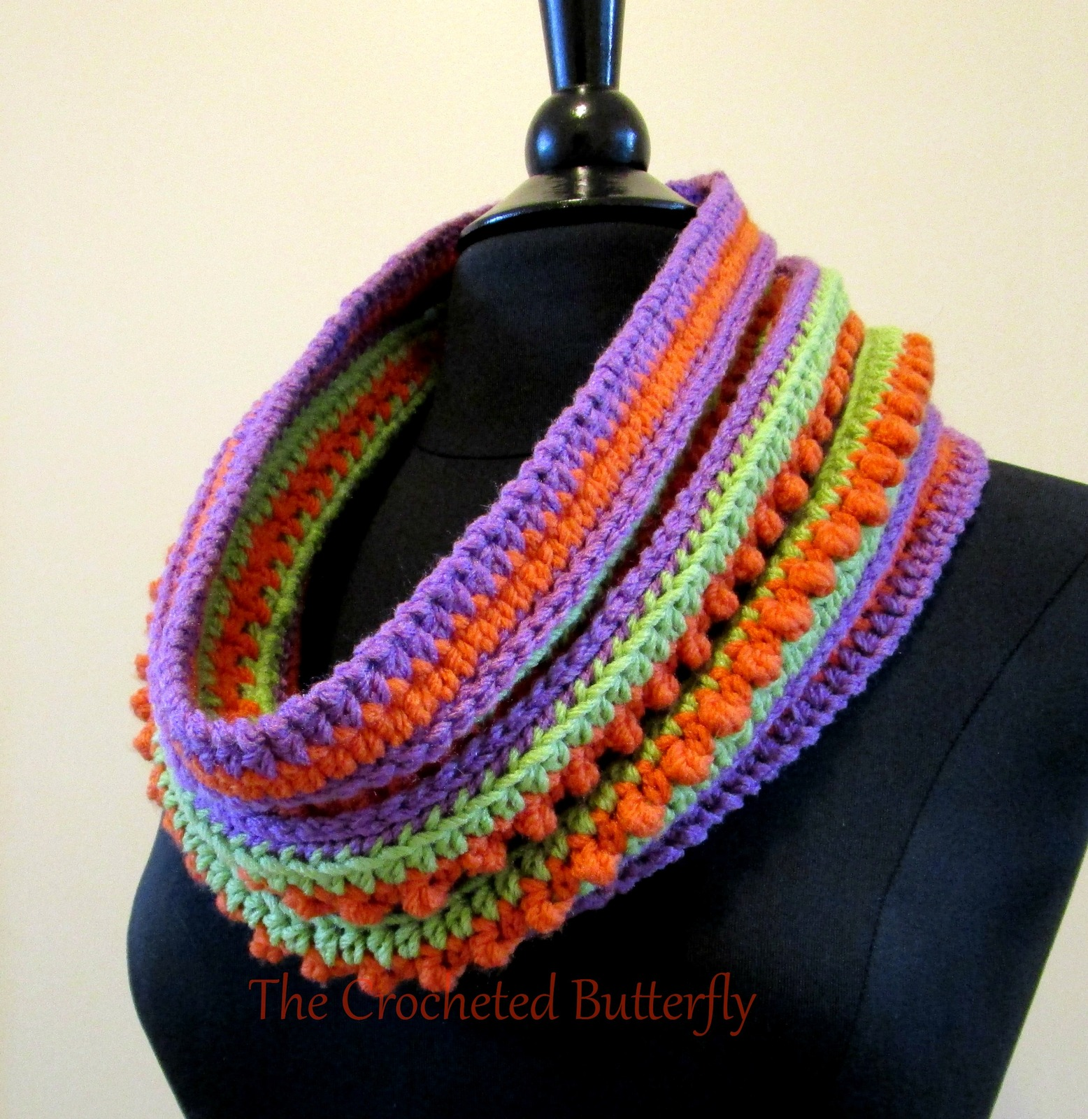 CROCHET PATTERN - Chi-Chi Cowl, lady's accessory, colorwork, scarf, handmade