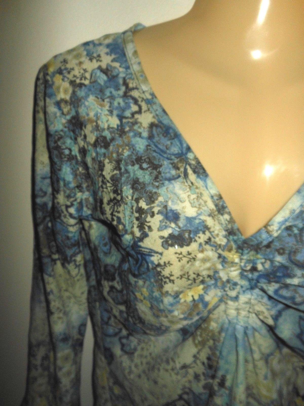 MARIA GABRIELLE ~ SMALL BLUE FLORAL PRINT POINTED HEM BELL CUFF BLOUSE TOP