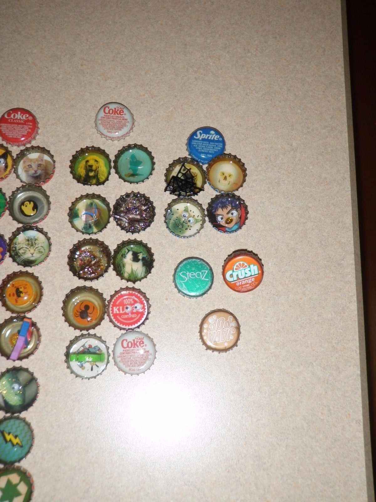Bottle caps arts and crafts decorated lot of and 50 for Bottle arts and crafts