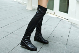 532s042 Low-heeled knee high boots,  Size 35-39, black - $100.00