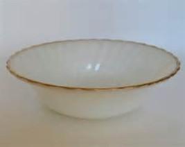 Vintage Anchor Hocking -Suburbia- Milk Glass Gold Rim Berry/DessertBowl - $6.49