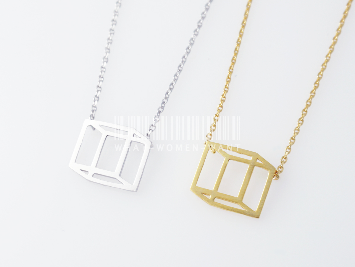 Hexahedron necklace, Square necklace, geometric necklace, geometric necklace.