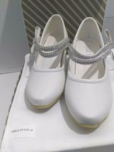 AISLE STYLE Girls Low Mid Heel Party Wedding Mary Jane Style Shoes Size 28 UK image 9