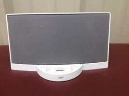 Bose SoundDock Digital Music System iPod Dock White 30 pin connector - $29.00