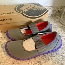 CROCS NEW DUET BUSY DAY GREY PURPLE MARY JANES womens sandals 7 - $33.61