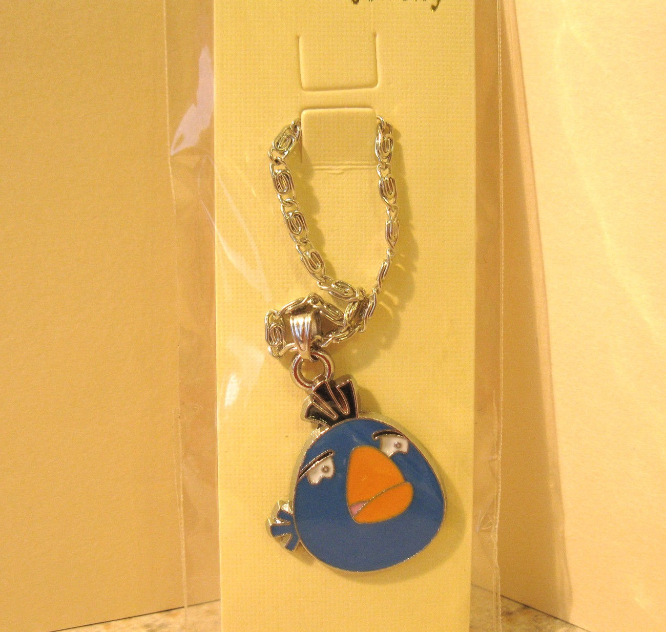 NECKLACE & PENDANT CHILDS BLUE SAD ANGRY BIRD NEW #627