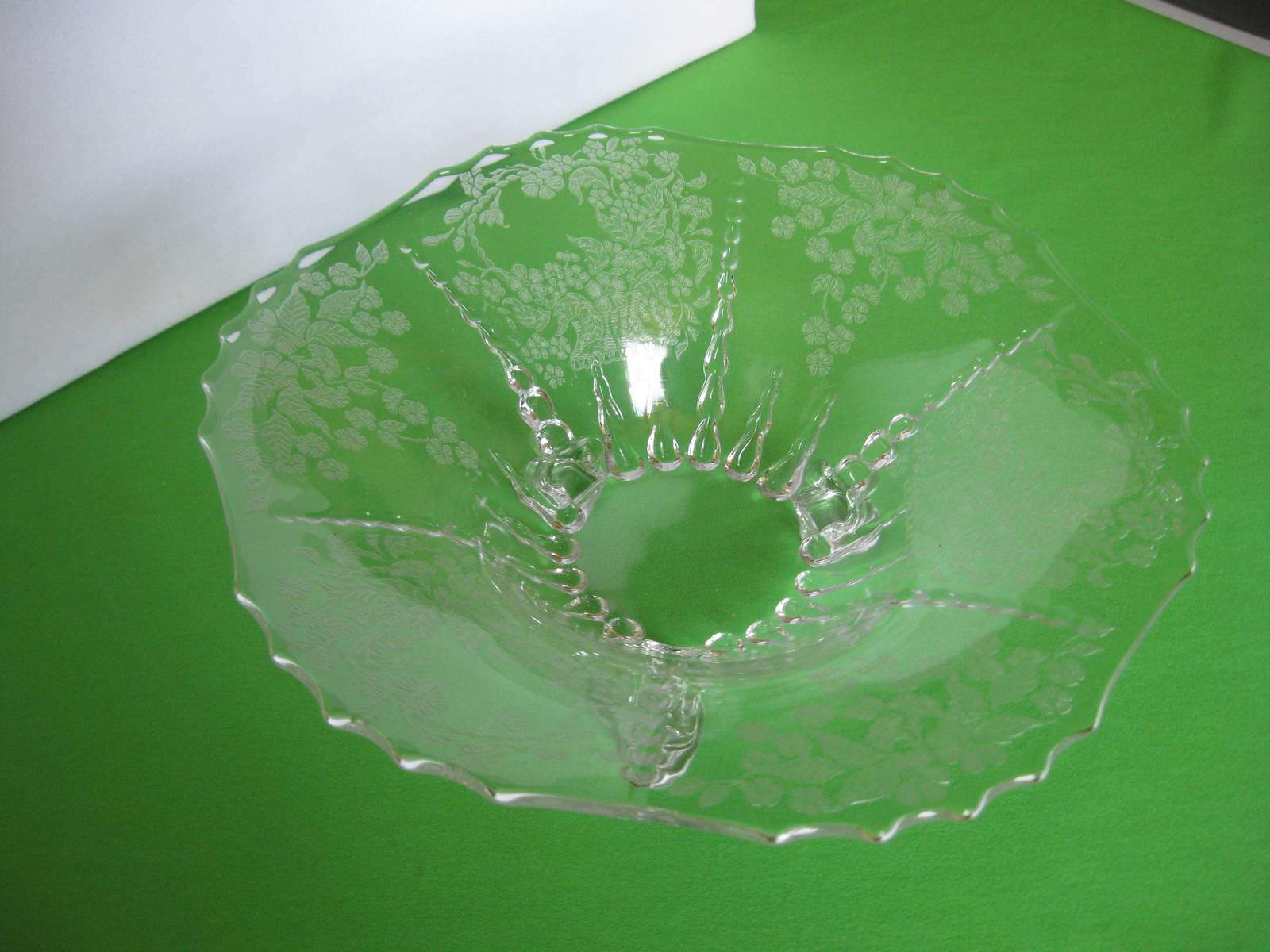 New Martinsville Glass Radiance Meadow Wreath Footed Etched Bowl Vintage USA