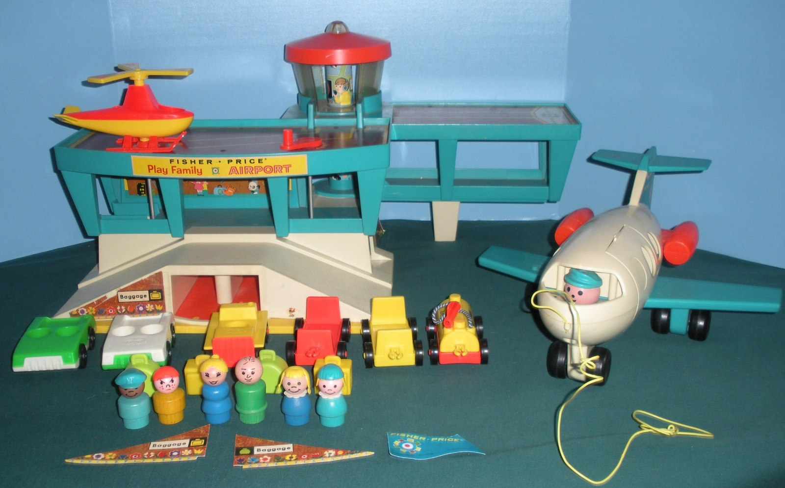 Vintage Fisher Price Play Family #996 Airport Complete/EXC! (O)