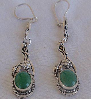 Dangling green earrings 3