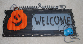 Halloween Sign Welcome Plaque Indoor Outdoor Wood Metal Spider Jack-o-La... - $20.76