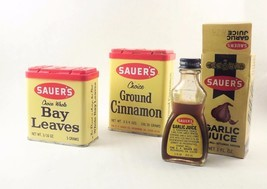 Lot Sauer's Spice Tins Vintage 1970s Herbs Bay Leaf Garlic Juice Bottle ... - $341,08 MXN