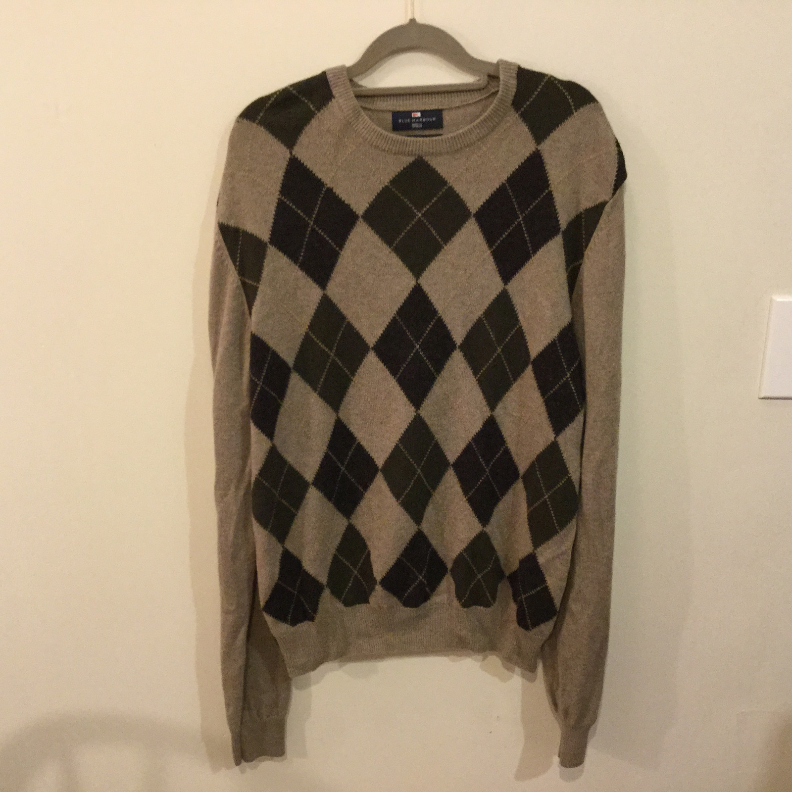 Marks & Spenser Mens Front Diamond Pattern Crew Neck Sweater 100% Wool, size M