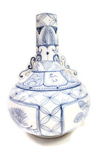 Beautiful Blue and White Chinese Four Season Porcelain Bottleneck Vase  ... - $49.49