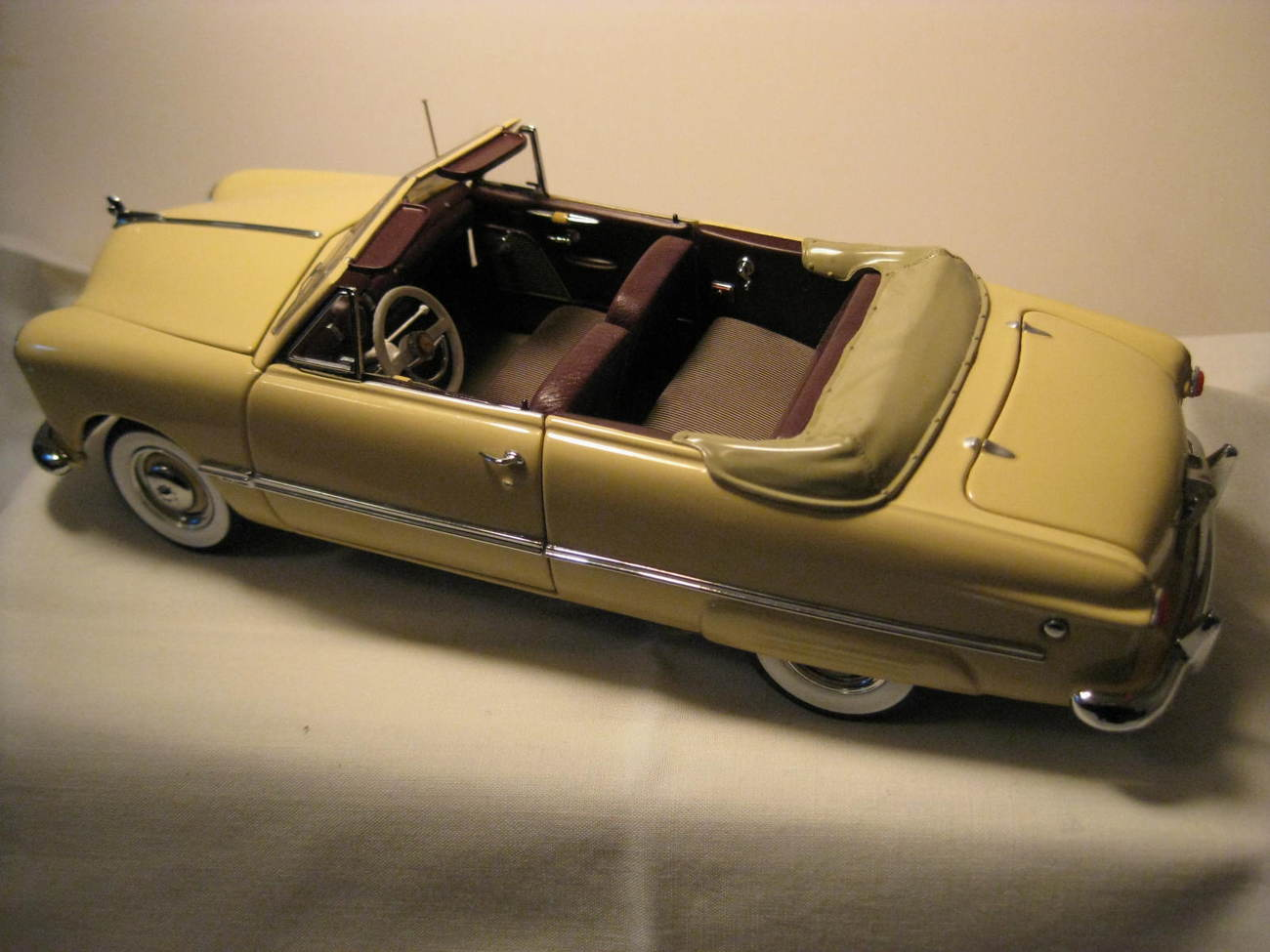 Primary image for 1949 Ford Custom Convertible by Danbury Mint Miami Cream