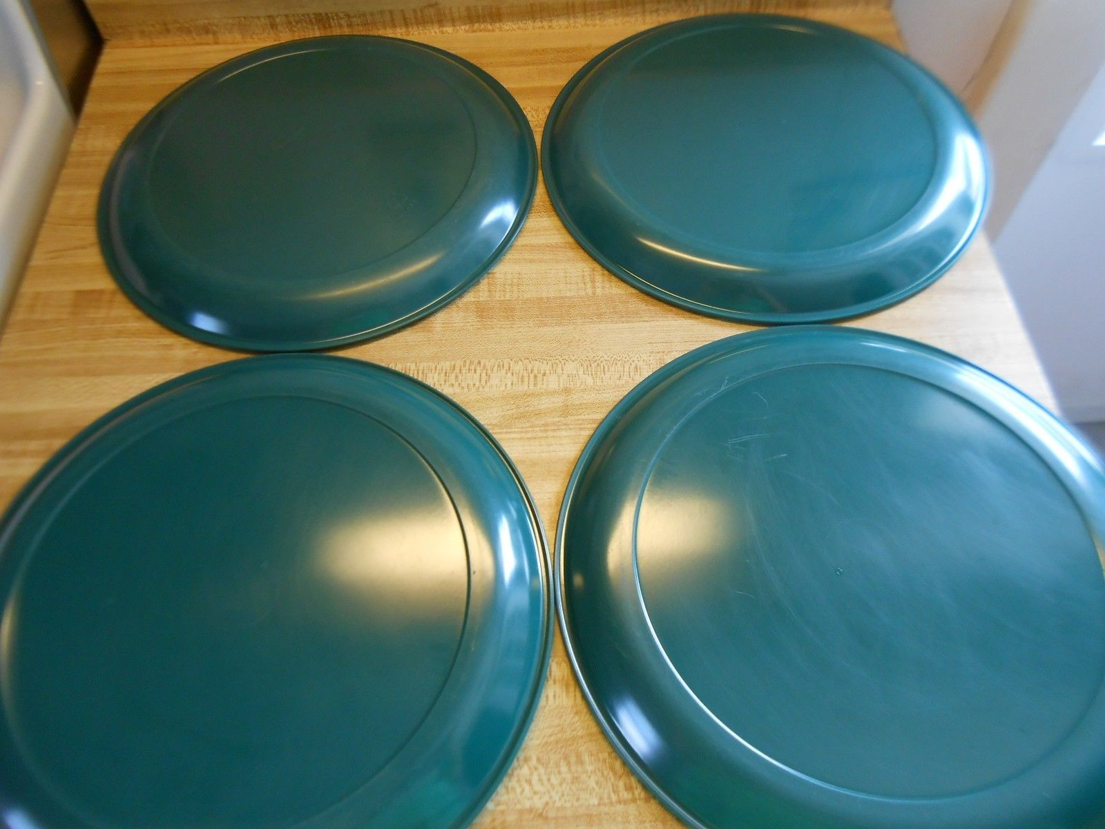 ... rubbermaid 3840 hunter green dinner plate and 4 no name ... & rubbermaid 3840 hunter green dinner plate and 45 similar items