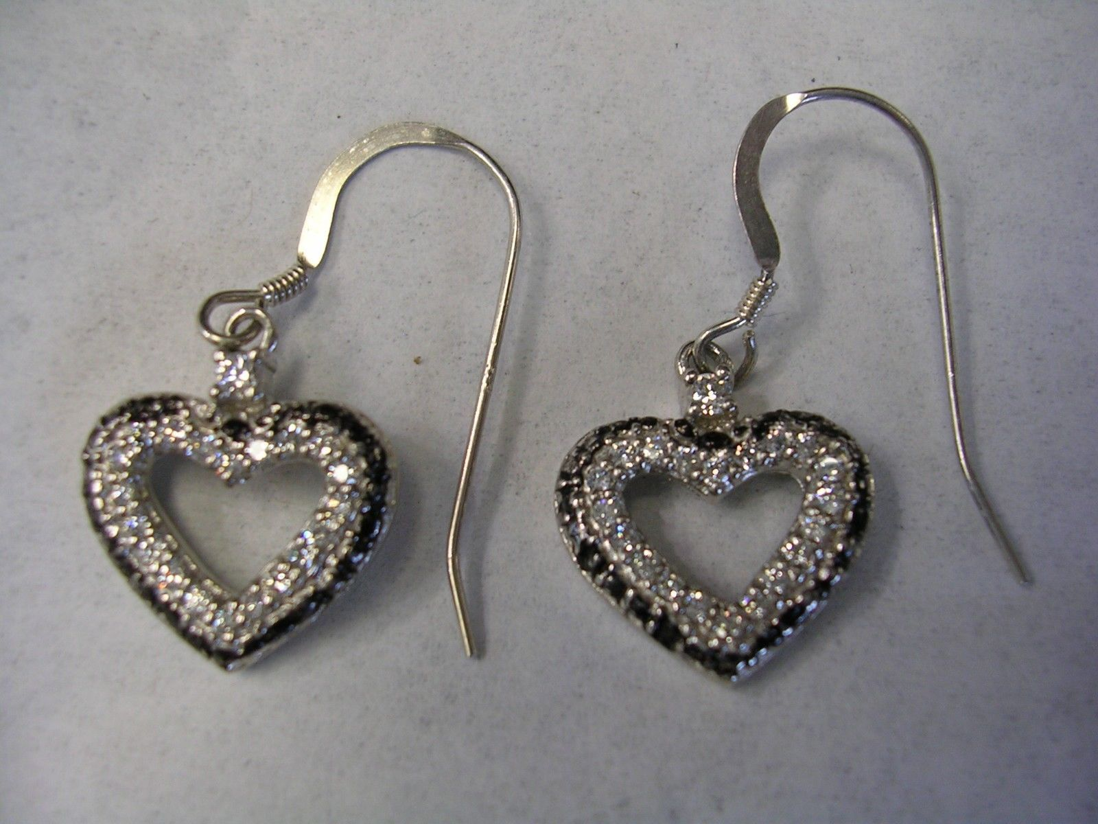 HEART EARRINGS WITH WHITE CUBIC ZIRCONIA AND BLACK ENAMEL IN STERLING SILVER