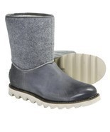 NIB $150 Sorel Mad Boot Slip-On Boot EU 42 (US 8.5) - $1.674,92 MXN
