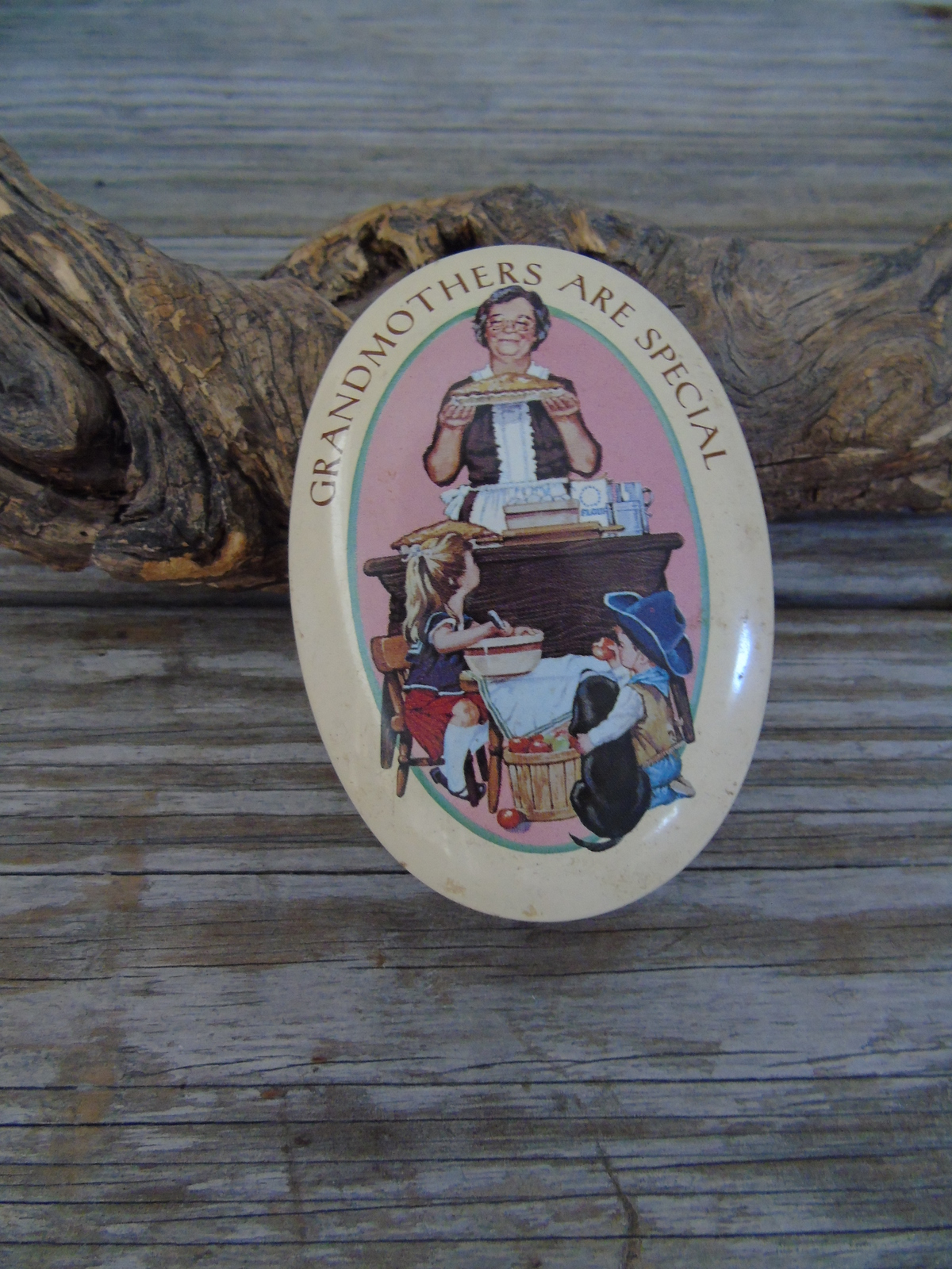 Oval Tin With Sponge 1983 Avon Grandmothers are Special  England - $7.50