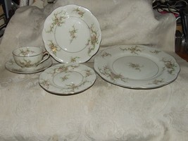 Vintage 1937-56 Theodore Haviland ROSALINDE 5 pc pl Setting New York Gilt Trim - $132.66