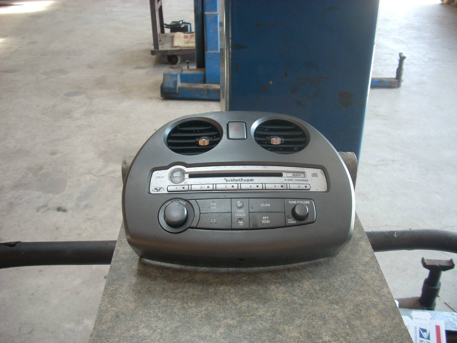 1807  radio control unit 1807 id  mn121397ha