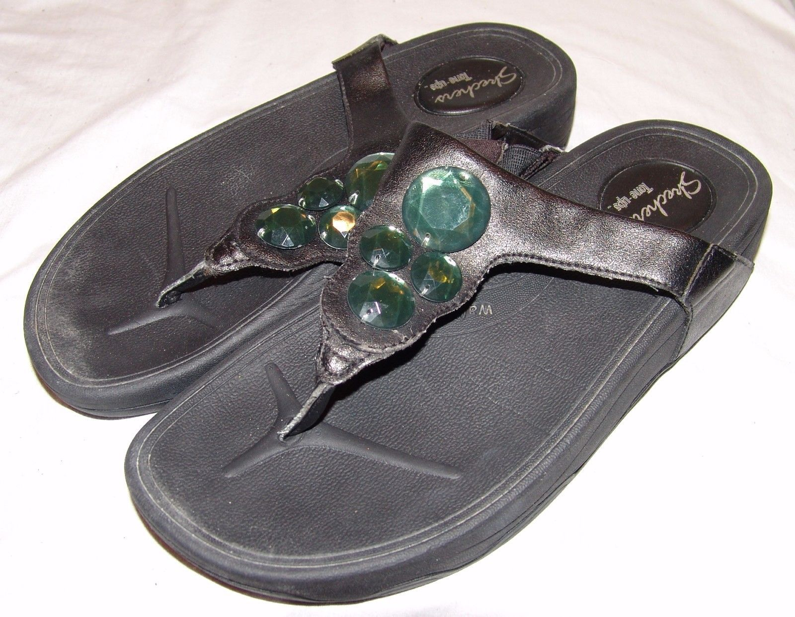 Skechers Tone Ups Flip Flops 8 8.5 Black w/ Green Gemstones Sandals Shoes