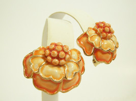 HOLLYCRAFT Orange Yellow Shades FLOWER Enamel Gold Plate Clip Earrings V... - $21.77