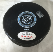 SIDNEY CROSBY / AUTOGRAPHED PITTSBURGH PENGUINS LOGO NHL HOCKEY PUCK / COA image 3
