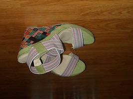 SIZE I STRAP ANKLE BEVERLY NWT STRAPPY 9 MILLS WEDGE COLOR SANDALS HEELS MULTI AAOInpqf6