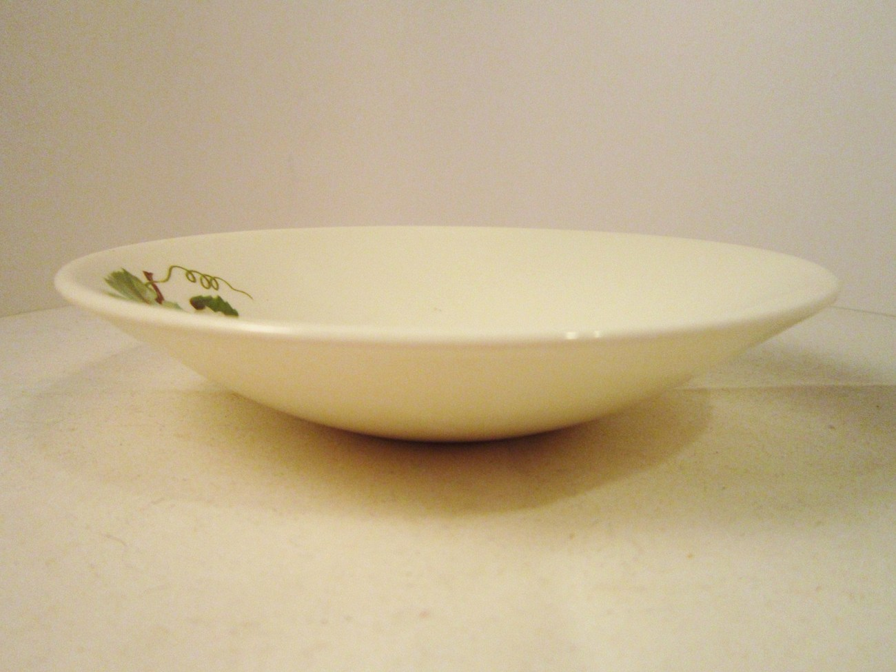 Fruit Bowl 1951 Edwin Knowles Grapevine Pattern Dessert Bowl