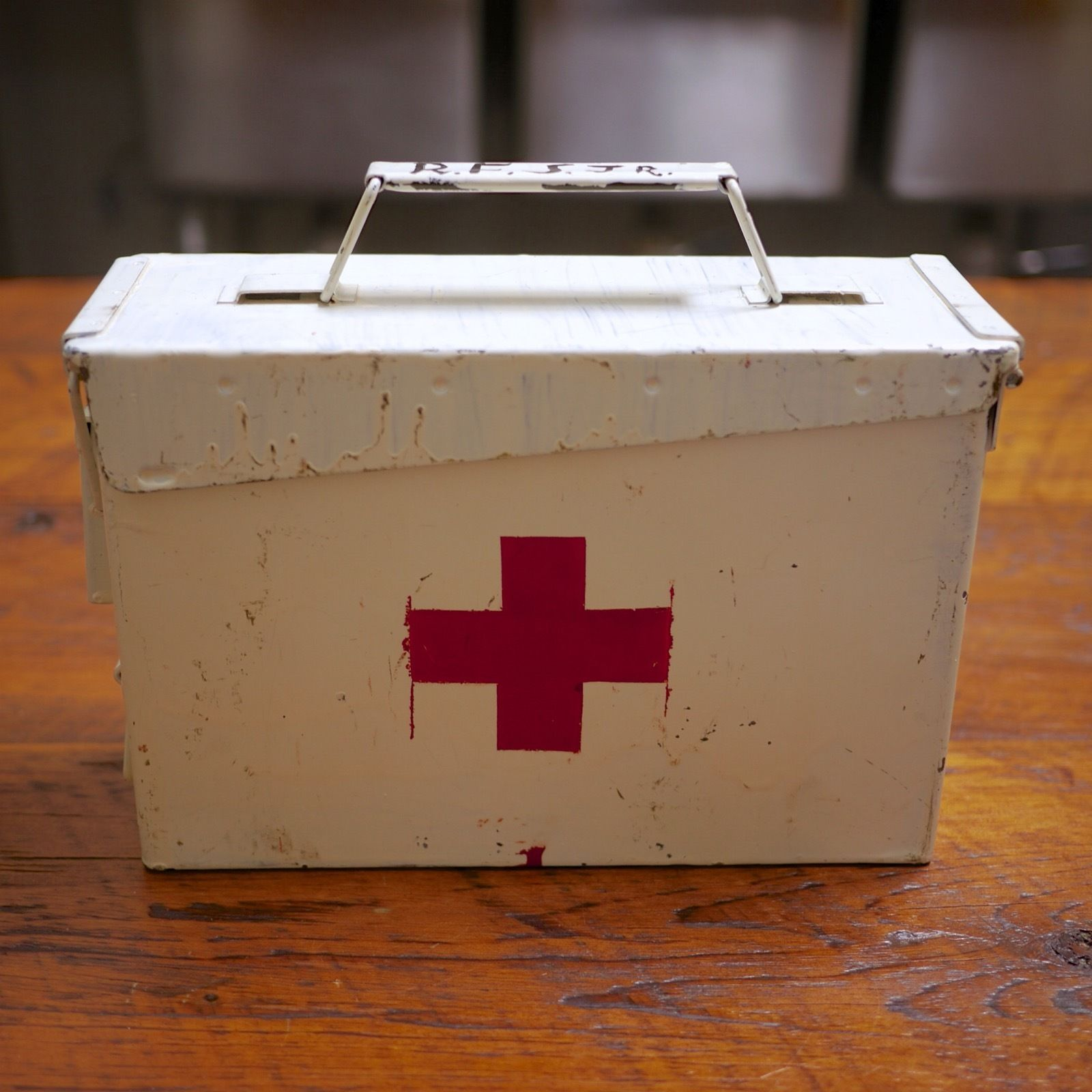 Vtg 1961 Vietnam Hand Painted Red Cross First Aid Kit US Military Steel Ammo Box
