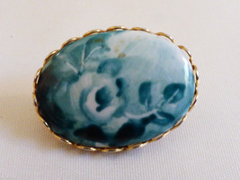 Vtg Small Gold Tone Metal Porcelain Blue Flowers Pin Brooch Nice! - $24.75