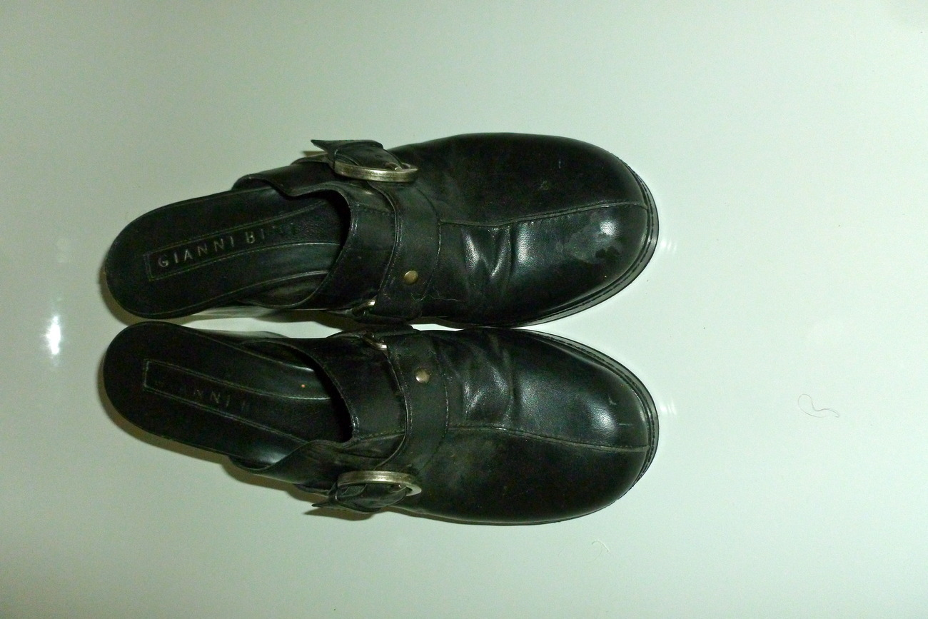 gianni bini buckle mules black size womens 8