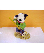 Mary's Moo Moo's John Deere Cow Pitching Hay Enesco #725714 - $16.35