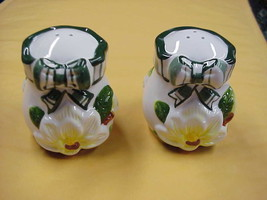 Magnolia with Bows Salt & Pepper Shaker/Shakers... - $9.49