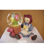 Raggedy Ann w/Tulips Waterball 2001 Enesco #709174 - $23.38