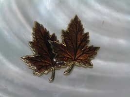 Vintage Brown Enamel & Goldtone Double Maple Leaf Pendant – goldtone set... - $8.59