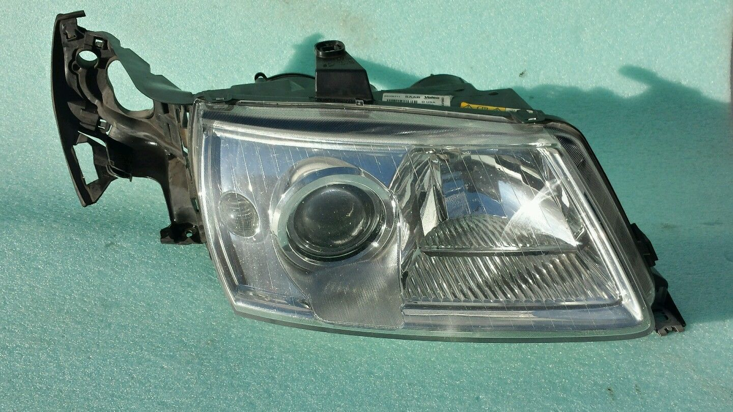 Primary image for Saab 9 5 9-5 RH HEADLIGHT ASSEMBLY 02-05 PASSENGERS SIDE XENON W Ballast + Bulb