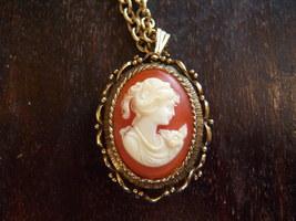 Vintage VANDA Perfume Necklace. Vintage Cameo Perfume Necklace. - $30.00