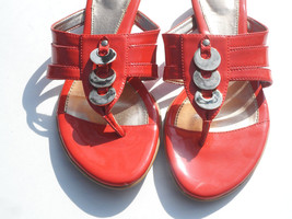 Sofft Thong Sandals Coral Patent Leather Shoes ... - $33.65