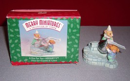 1999 HALLMARK Merry Minatures Hershey's A Kiss For You #3 3 Piece Set - EUC - $12.86