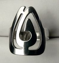Swirl Wide Sterling Silver Women's Ring Size 7 - $23.99